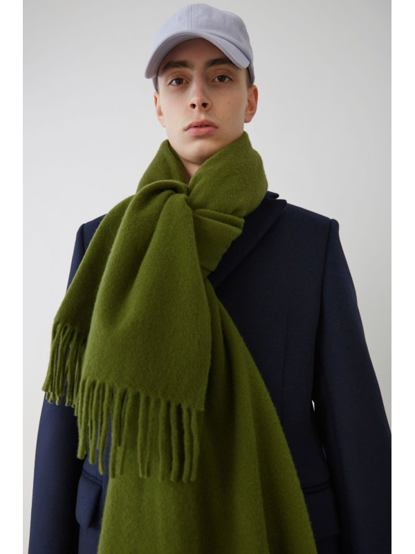 Fringed scarf meadow green